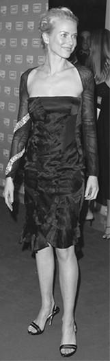 Naomi Watts in Gucci.
