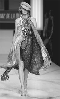 The SIMM-sponsored Pasareles Cibeles runway shows in Madrid feature upward of 25 designers, including up-and-comer Agatha Ruiz de la Prada.