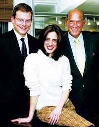 Oscar de la Renta with his stepdaughter, Eliza Reed Bolen, and her husband, Alex Bolen.