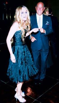 Riley Keough in Oscar de la Renta with the designer.