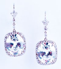 Lopez chose Neil Lane's diamond and platinum earrings to wear for her marriage to Marc Anthony.