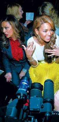 Tina and Beyoncé Knowles at the Oscar de la Renta show.