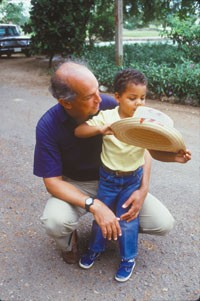 Oscar de la Renta with his son, Moises, in 1988.