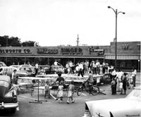 General Growth Properties Inc.'s first mall, the Town and Country Center in Cedar Rapids, Iowa, was built in 1954.