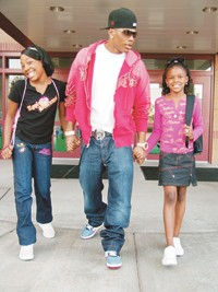 Nelly with his daughter, Chanelle, and niece, Sydney, at the ad shoot for Apple Bottoms Girls.