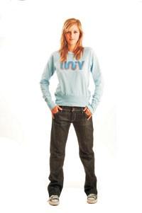 Univ's dark-rinsed, boyfriend-fit jeans.