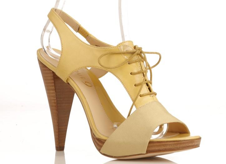 Corset shoe