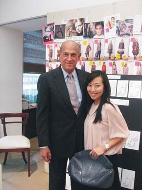 Tina Craig of Bag Snob visits with Oscar de la Renta.