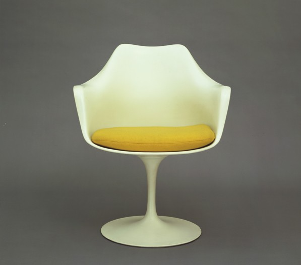 Mod Saarinen chair.
