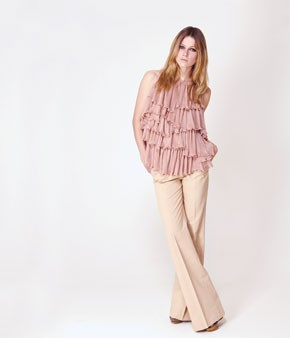 For her Missoni cruise collection, she indulged in feminine ruffles aplenty on a tiered top worn with wide-leg pants.
