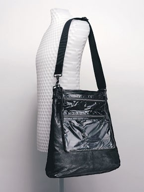 Y's Mandarina's big shoulder bag in lamb leather.