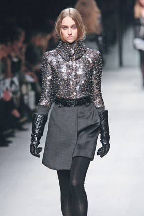 A fall 2007 look from Burberry Prorsum.