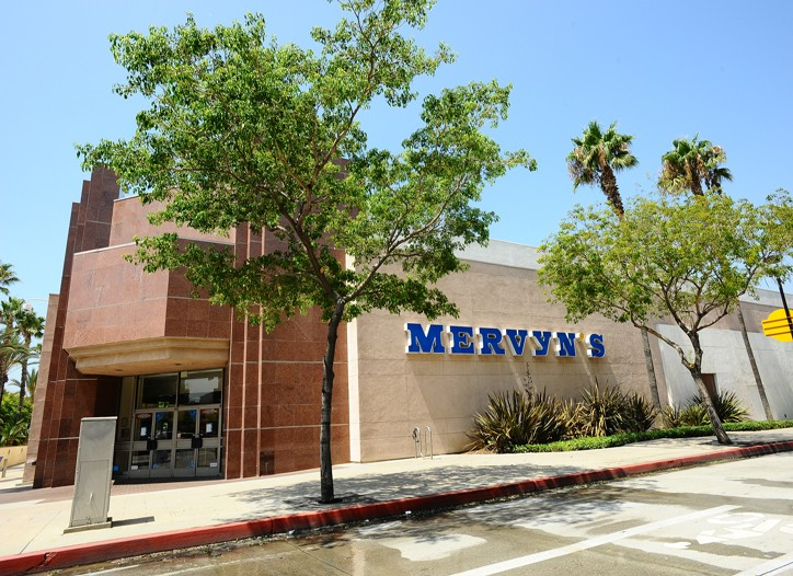 With tightening credit and shoppers spending less, Mervyns was caught in a ?perfect storm.?