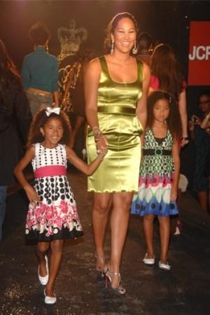 Kimora Lee Simmons  flankes by her daughters Aoki Lee and Ming Lee.