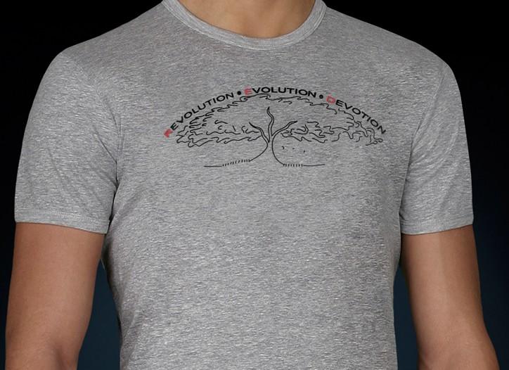 Julia Roberts' designs for Emporio Armani (Product) Red.