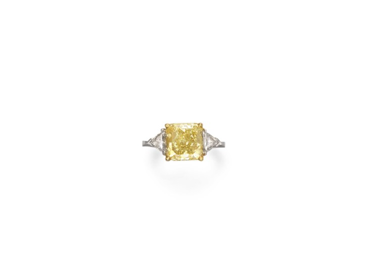 Gisele Bündchen's colored diamond ring on the auction block at Christie's.