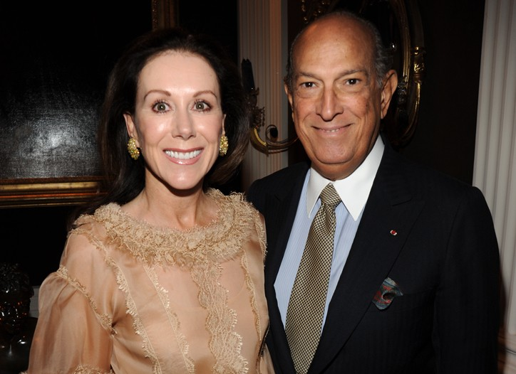 Carolyne Roehm in Oscar de la Renta with the designer.