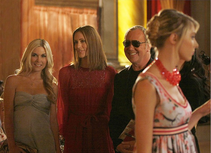 """Michael Kors in a scene from """"Gossip Girl"""" with Tinsley Mortimer and Cristina Cuomo."""