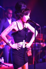 Amy Winehouse performs at the Fendi party