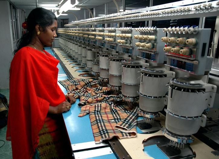 Indian apparel exports dipped for the third straight month in October.