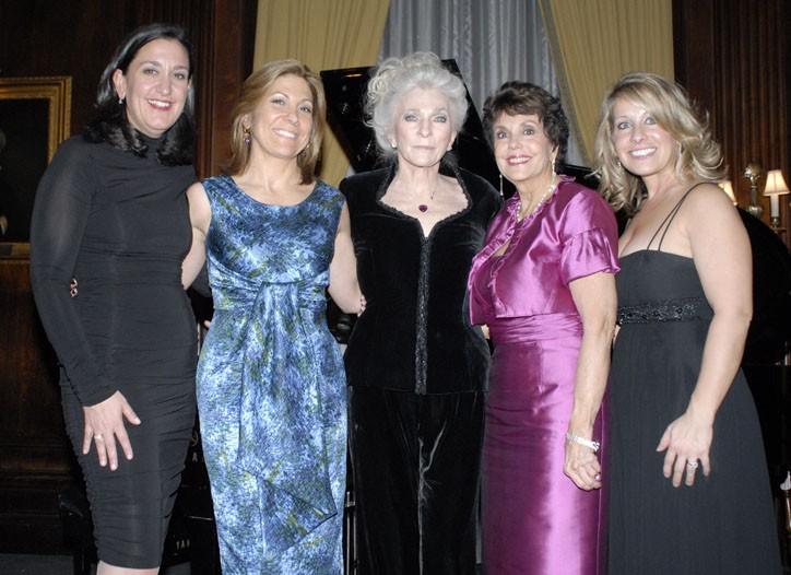 Heidi Manheimer, Lesley Jane Seymour, Judy Collins, Linda Marshall and Jenn Marshall.
