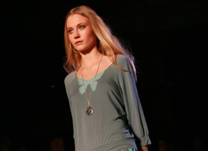 Natalia pour Etam lingerie collection.