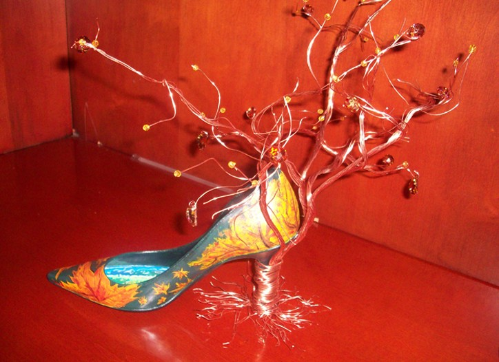 """""""Fall in Central Park"""" shoe by F.I.T. Student Keena Fleming."""
