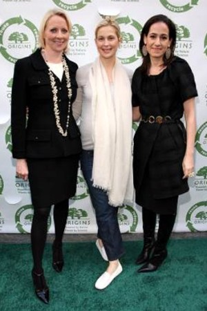 Linda Wells, Kelly Rutherford and Jane Lauder.