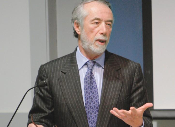 Domenico De Sole speaking at the University of Pennsylvania.