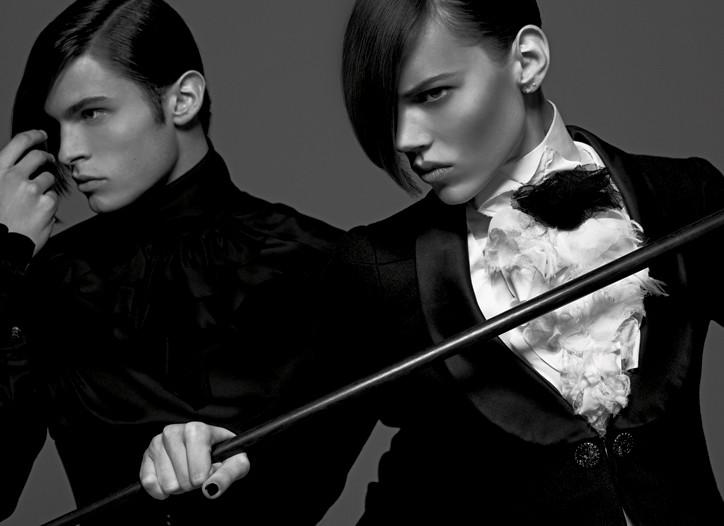 A Karl Lagerfeld shoot evoking the Monokel-Diele salon.
