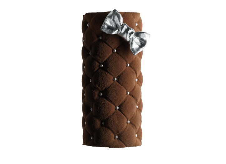 The Angelina Christmas log designed by Alexis Mabille.