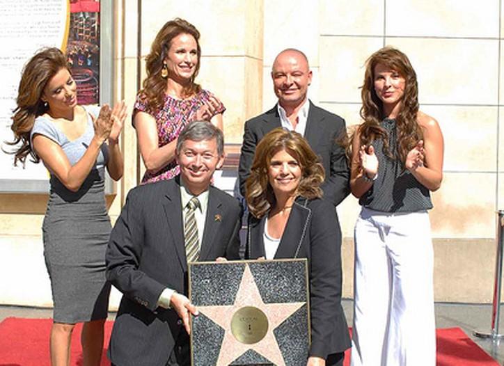 L'Oréal's Karen T. Fondu shows off its star.