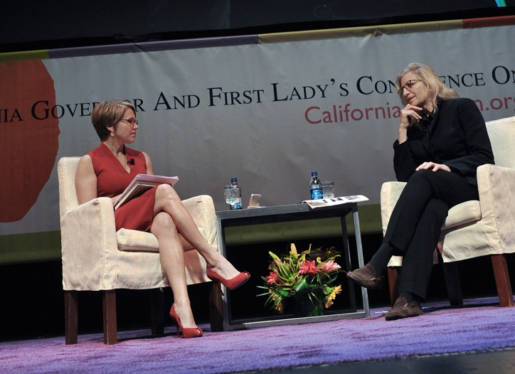 Katie Couric chatted with Annie Leibovitz about her financial situation.