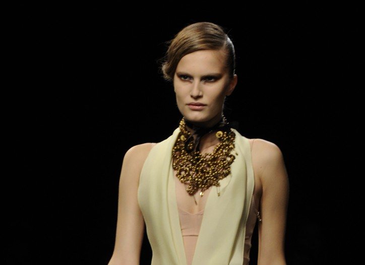 RM by Roland Mouret RTW Spring 2010