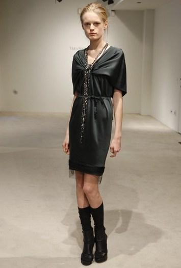 Vera Wang Pre-Fall 2010