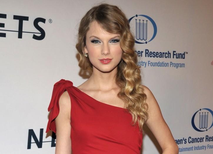 Taylor Swift in Valentino.