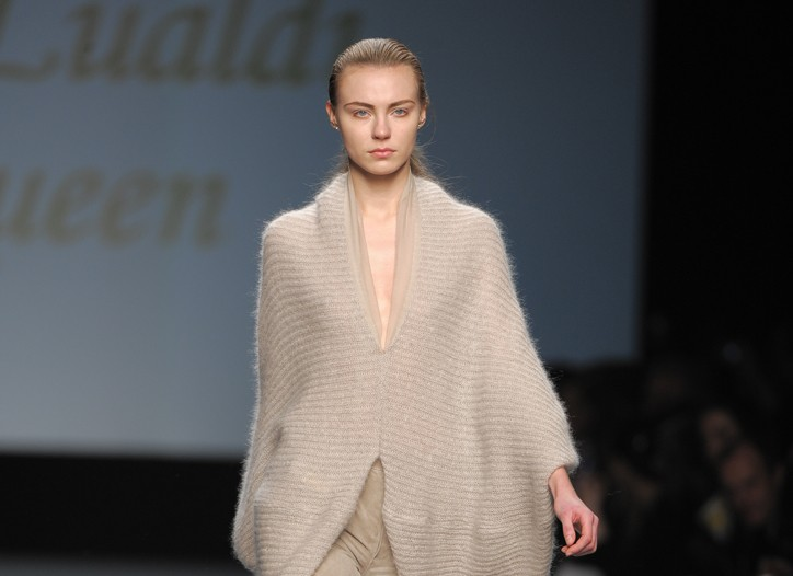 Chicca Lualdi Bee Queen Fall RTW 2010
