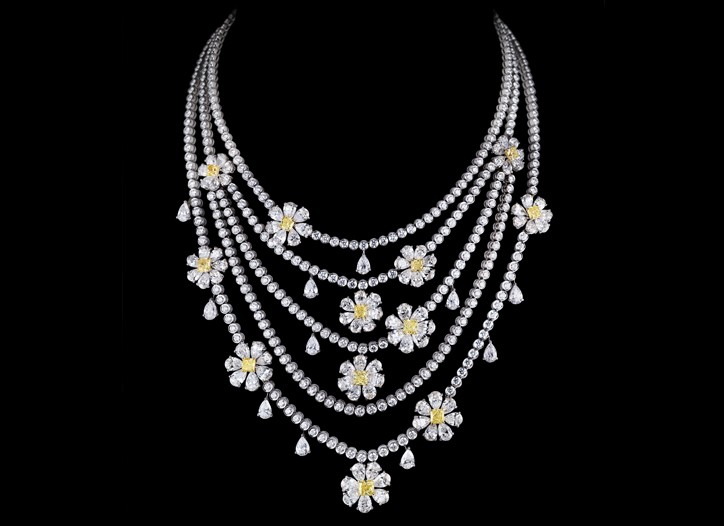 A piece from Leviev's Floral collection.