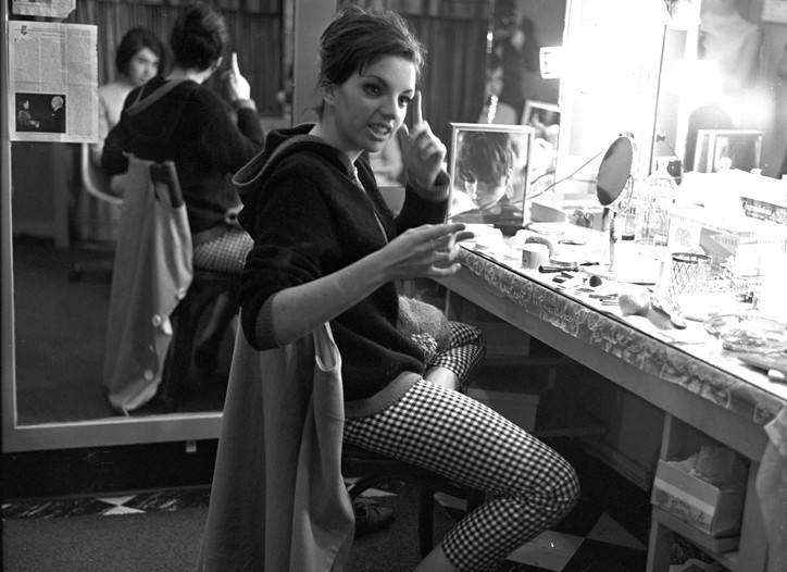 Liza backstage at the Alvin Theater. WWD, May 25, 1965