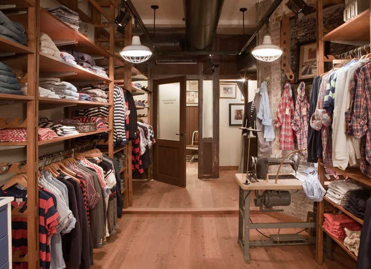 Gant expects the store to ring up $1,500 in sales per square foot.