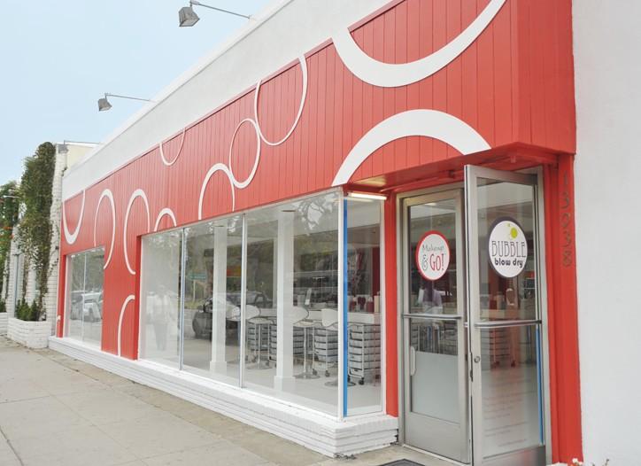 Makeup&GO's storefront.