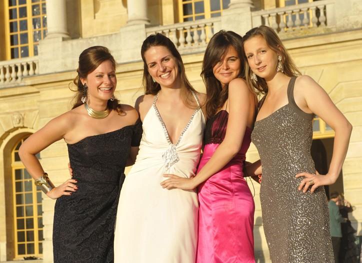 Jessica Bouchet in Tomasz Starzewski, Laetitia de Navacelle, Sophie Roqueplo and Gwendoline de Ganay