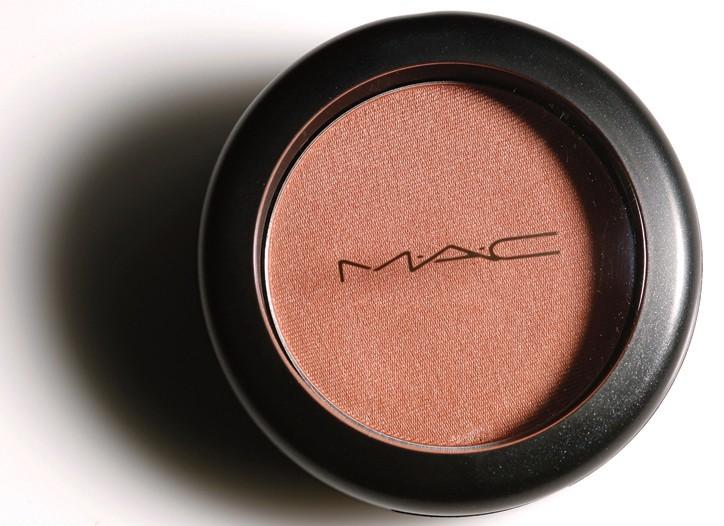MAC Eye Shadow in Naked Lunch.