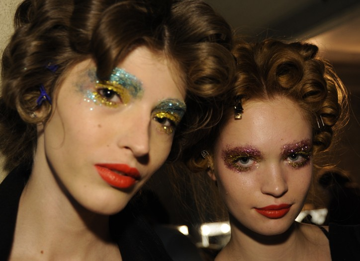 Backstage at Giles RTW Spring 2011