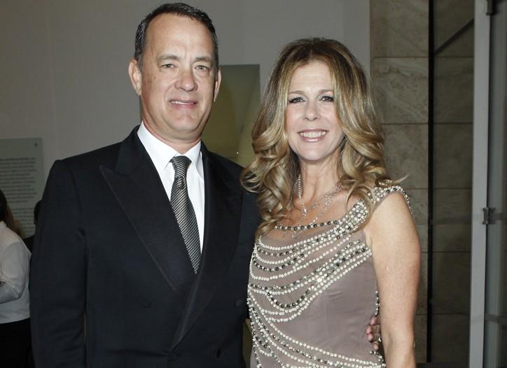 Tom Hanks with Rita Wilson in Alberta Ferretti.