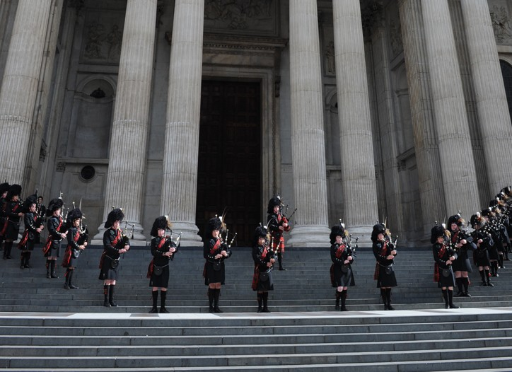 Bagpipe performance in front of St.Paul's Cathedral