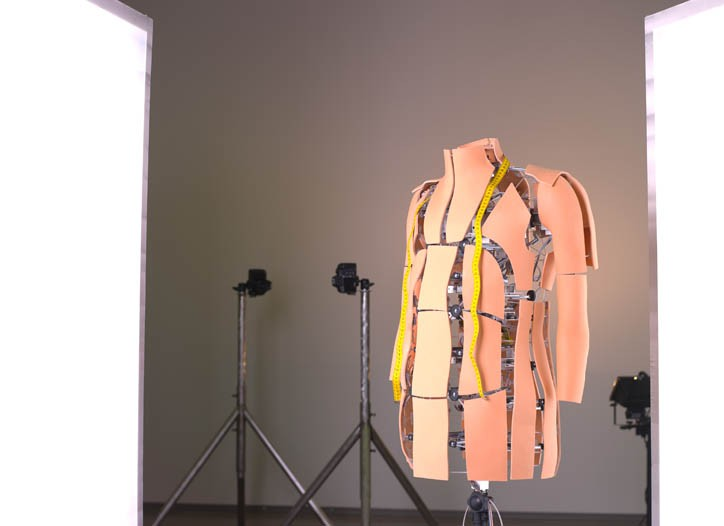 Surface plates on the robotic torso simulate 100,000 body types.