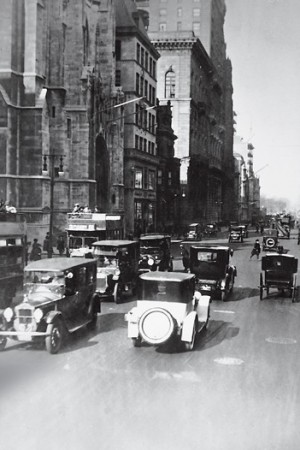 Fifth Avenue in 1921.