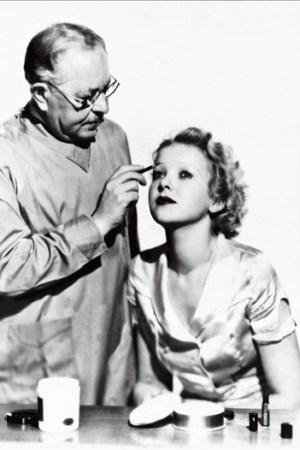 Max Factor making up Ida Lupino in 1936.