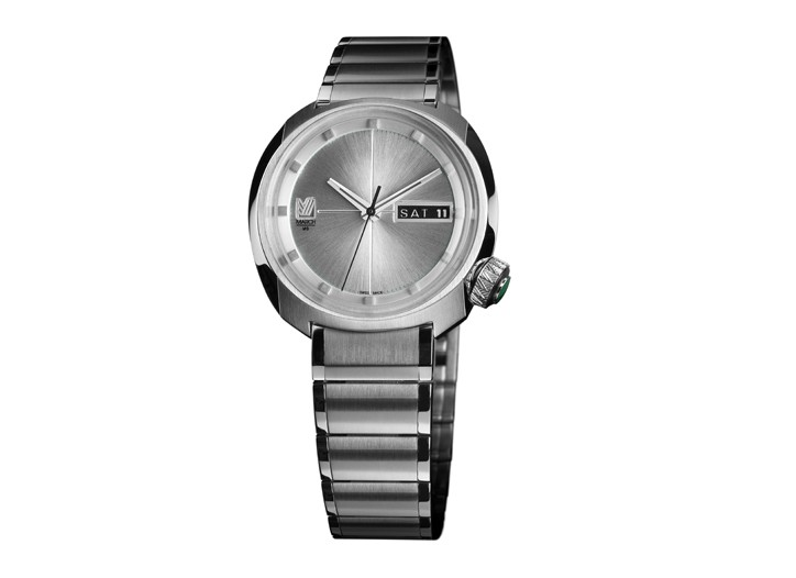 A metal-series watch with a stainless steel case, Swiss quartz movement and engraved silver dial.